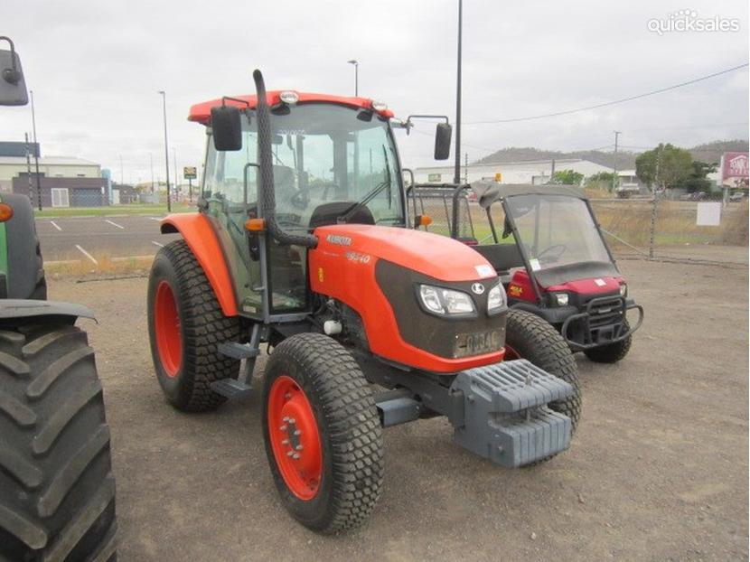 Kubota Front Wheels : Kubota m wd front wheel assist tractor