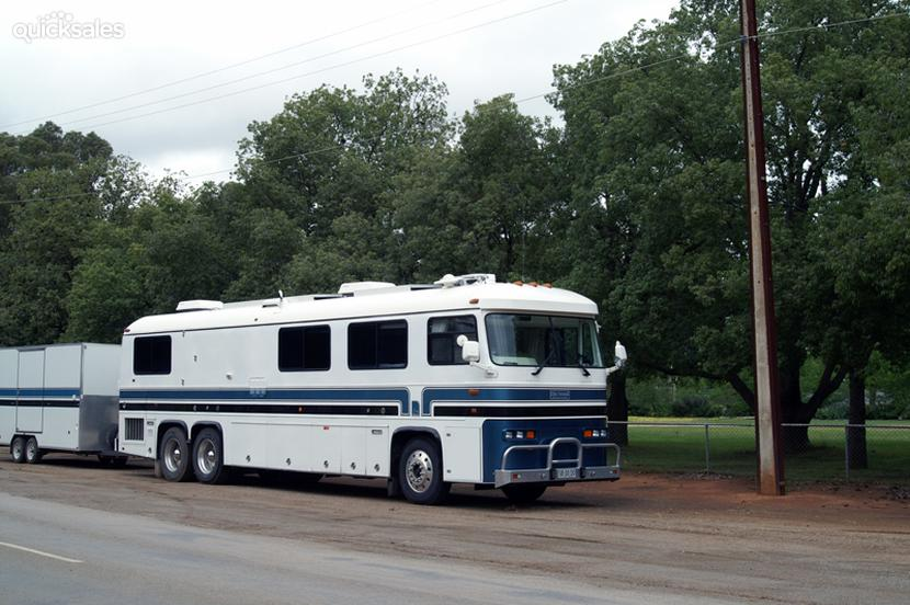 1988 Custom Built Motor Homes Newell Private Coach