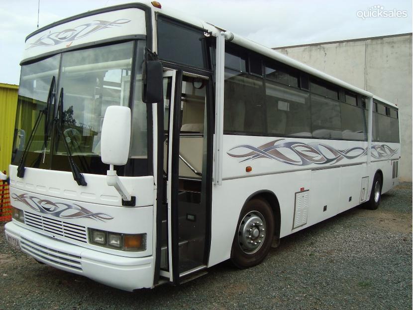 1986 Nissan Motorhome Item 1000052769