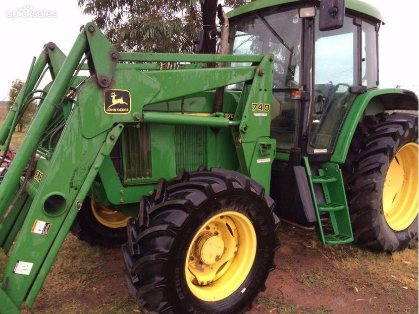John Deere 740 Tractor : John deere tractor with loader